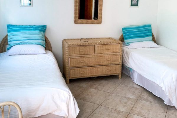 3 bedroom apartment for rent on the beach in Anguilla